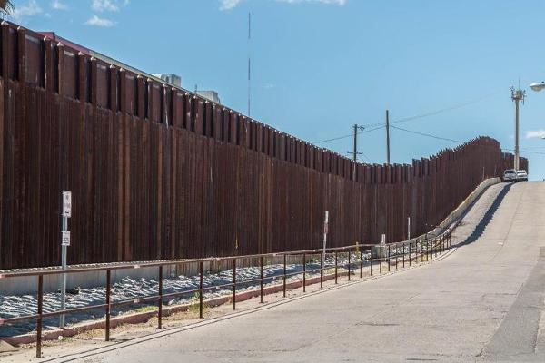 A Way to Pay for the Border Wall That Could Slam Western Union