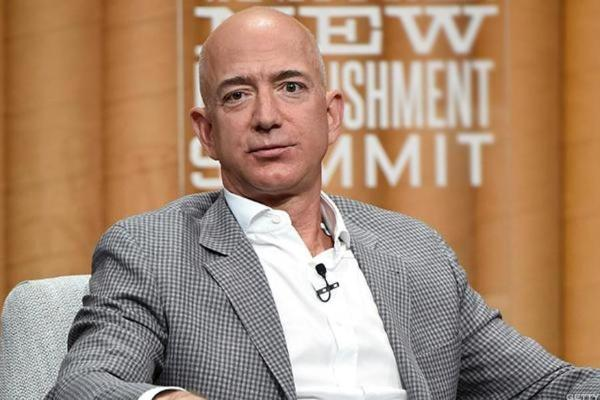 Jeff Bezos Has Apparently Been Working Out and of Course Twitter Noticed
