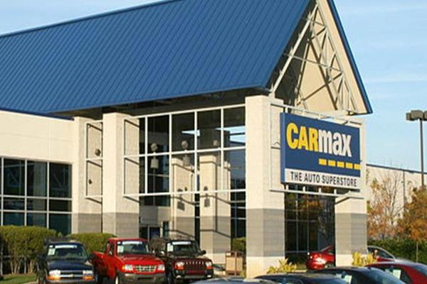 CarMax Shares Slip on Disappointing Volume, Earnings Whiff