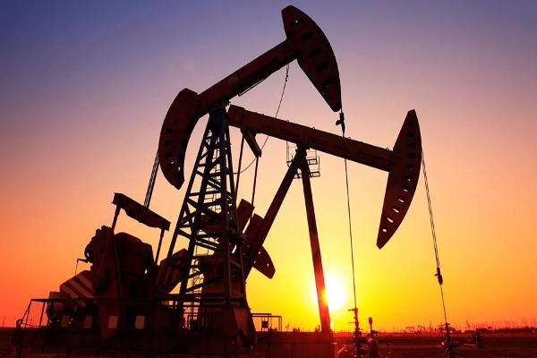 Midday Report: Oil Bounces Even as Inventories Climb; Choppy Trading