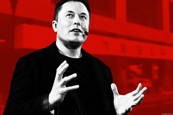 Tesla's Elon Musk and 3 Other Business Titans Think Artificial Intelligence Will Send You the Pink Slip