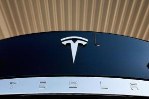 Jim Cramer: Tesla Needs to Raise Capital