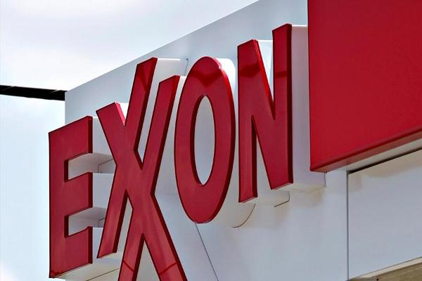Jim Cramer Reacts to Chevron and Exxon Mobil Earnings