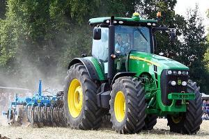 Midday Report: Piper Jaffray Downgrades Deere; U.S. Stocks Slide