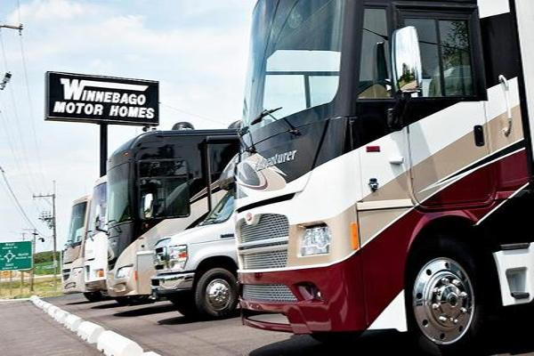 Winnebago Climbs on Earnings Beat, Growth Forecasts