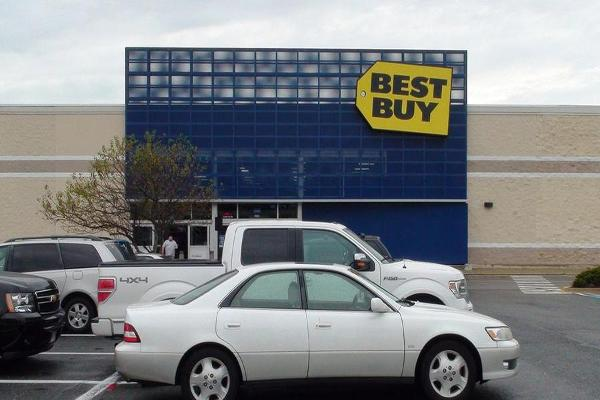 What Jim Cramer Is Watching Earnings From Best Buy, Costco, Burlington and Ulta Salon