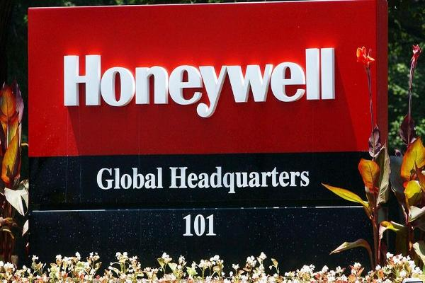 Jim Cramer on Honeywell's Pending Layoffs and What it Means for the Company
