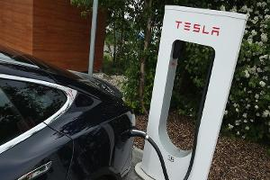 Jim Cramer: Tesla and SolarCity Deal Not Evenhanded