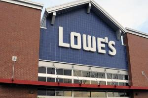 Lowe's Shares Decline on JPMorgan Downgrade