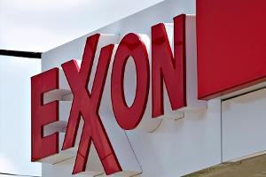 Oil Majors Exxon, Shell Report Lower Results, Still Top Estimates