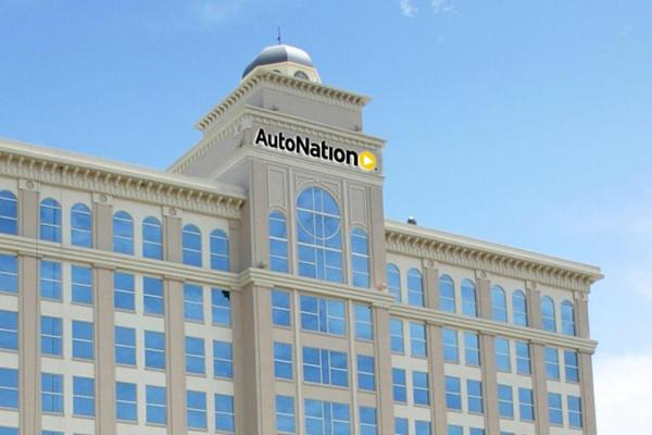 Investor Mario Gabelli Says Warren Buffett Should Buy AutoNation
