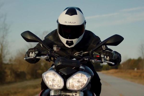 Listen: Will Smart Technologies Woo Millennials Back to Motorcycle Riding?