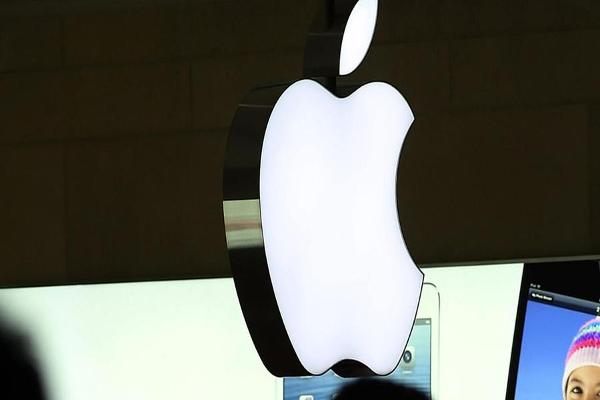 Jim Cramer: Apple Is Perceived as Value Trap