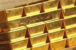 Gold Pares Losses as Ukraine Says Its Troops Attack Russian Convoy
