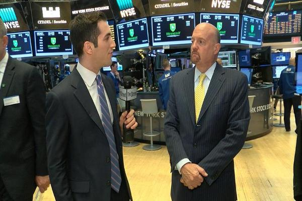 Jim Cramer Talks Delta Air Lines, Target, Costco, Zillow, Amazon, Netflix, Seagate and Western Digital
