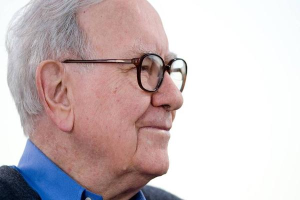 Warren Buffett Talks About the Fed, China, and Turning 85