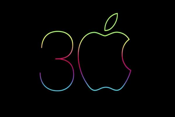 Apple's Mac Celebrates 30 Years; Dell, IBM Envy Success