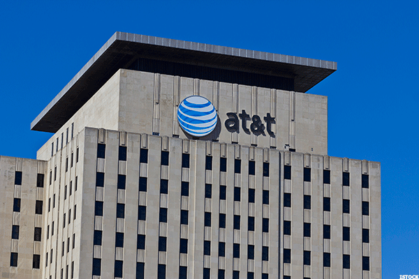 Answer the 'Call' With This AT&T Play