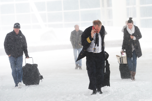 New York Air Travel Shuts Down Tuesday -- Philly and DC Set to Resume