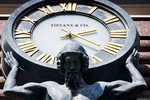 Tiffany Rides Higher Despite Decline in Holiday Sales