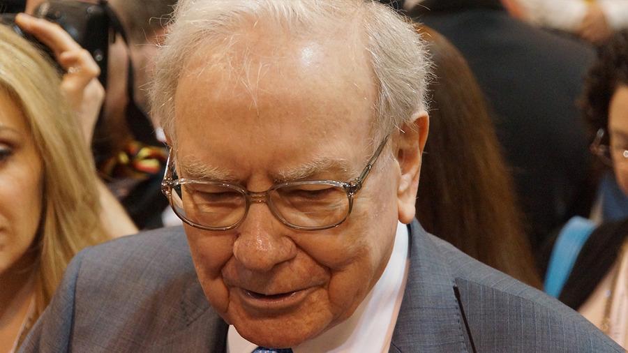 Warren Buffett Says He Has No Regrets Holding IBM Stock Instead of Apple