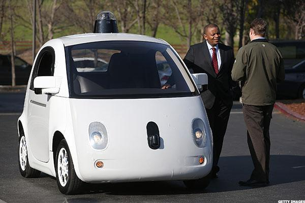 Not Everyone Can Win in Global Race to Create Driverless Technology