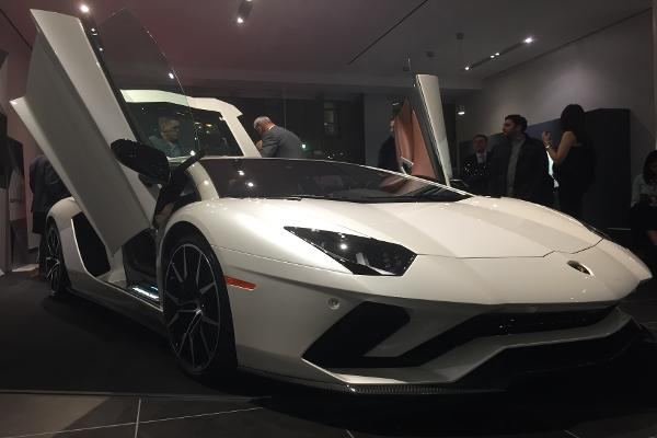 Watch the Mind-Blowing New Lamborghini Aventador S Being Unveiled - It's a $424,000 Supercar