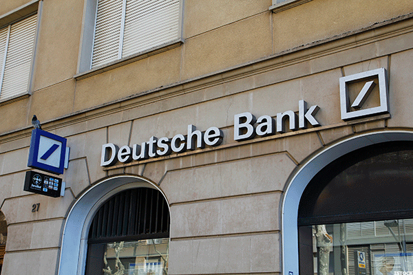 Deutsche Bank Shares Slide in Frankfurt After DoJ Settlement Finalized