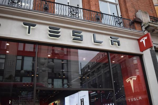 Tesla Expands California Factory, May Purchase Samsung Chips -- Tech Roundup