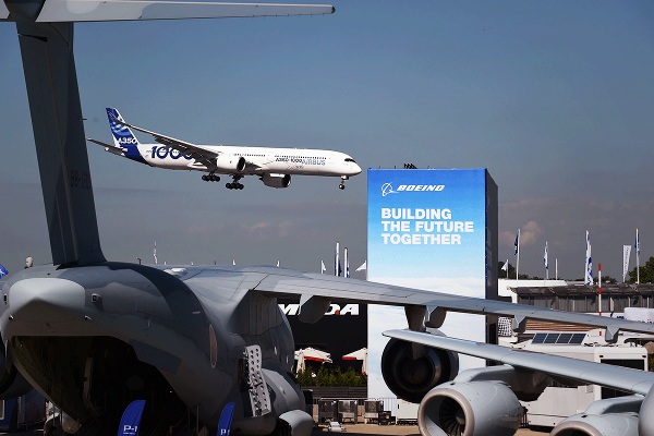 Boeing, Airbus and United Technologies - 3 Things to Watch at Paris Air Show