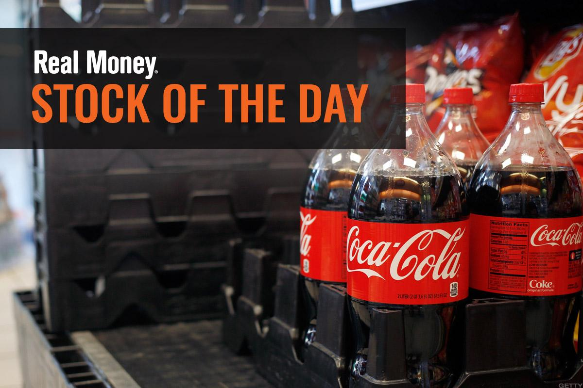 Jim Cramer Explains Why Coca-Cola's Earnings Has No Consumer Correlation