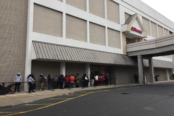 7 Amazing Photos Show J.C. Penney Winning Early Holiday Sales Wars