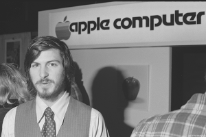 Apple Turns 40 With Little Fanfare as March to Dow 20K Resumes: ICYMI