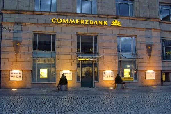Commerzbank Tops First Quarter Earnings Forecasts; May Update Full-Year Outlook