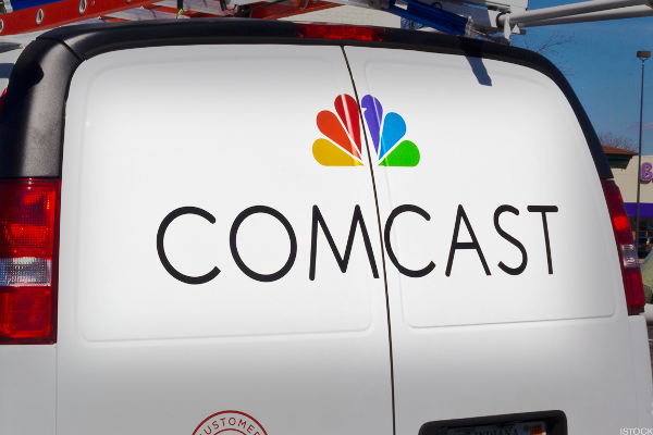 Comcast Considering All-Cash Bid for Fox as Disney Battle Heads to the Wire