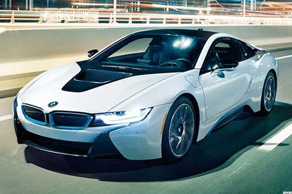 10 FuelEfficient Sports Cars That Sip Gas As They Throttle  TheStreet