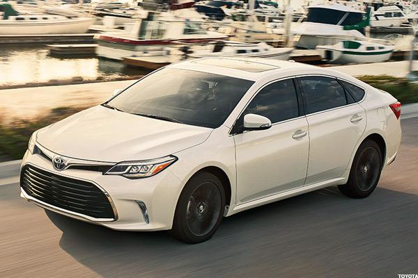 10 Hybrid Cars Giving The New Toyota Prius A Run For Its Money Thestreet