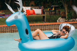 We Just Talked With Someone That Sells Inflatable Pool Toys on Amazon and Were Shocked by Her Story
