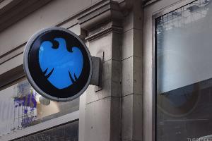 Barclays Tops FTSE 100 After CEO Pledges Shareholder Returns Amid Activist Fight