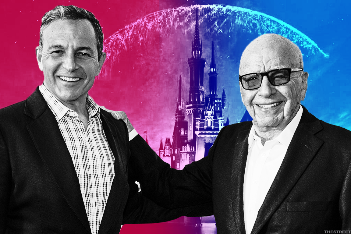 Disney CEO Robert Iger, left, with Fox's Rupert Murdoch.