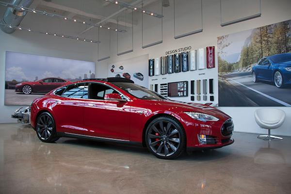 Photos: Here's What Tesla's Amazing New Showroom In New York City Looks Like