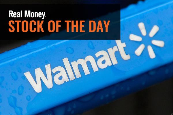 Wall Street Sticks With Walmart Stock as Holidays Lie Ahead
