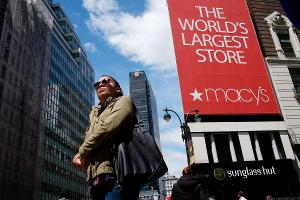 Macy's Falls After Guggenheim Downgrades Retailer to Neutral