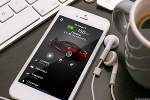 Tesla In Talks With Music Labels to Create Its Own Streaming Service