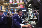 S&P 500, Nasdaq Hold Gains as Fed Debates Timing of Balance-Sheet Trim