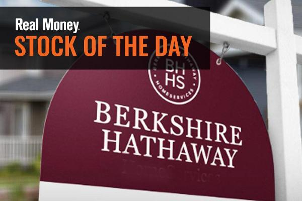 There Are 2 Reasons Why I'd Buy Berkshire Hathaway Stock