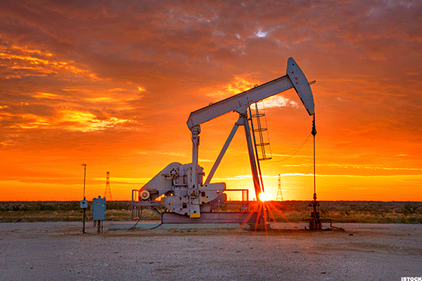 Baker Hughes Rig Count Up 14 as Oilfield Services Stocks Tumble
