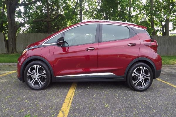 Sales of Chevy's $37,000 Bolt Are Hot -- We Drove the Electric Car and Got Massive Range Anxiety