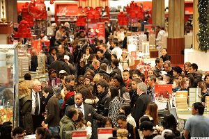 U.S. Consumers Are Spending Like Crazy so Far This Holiday Season