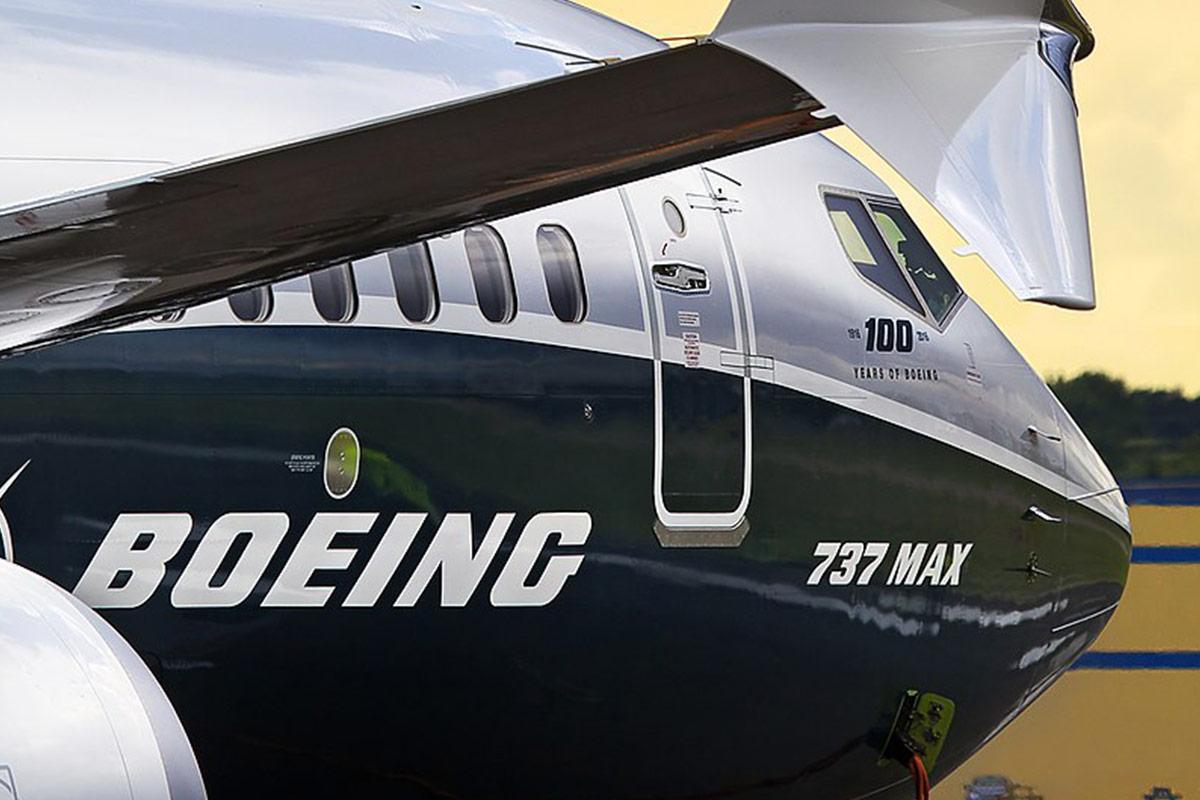 Boeing Inks $3.6 Billion 737 MAX 8 Order with Air Astana at Dubai Air Show